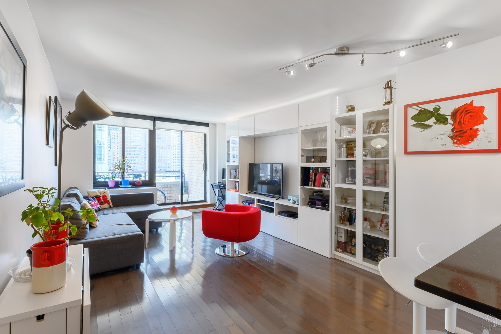 200 Rector Place 16j, Battery Park City, NYC, 10280, $710,000, Sold Property, Halstead Real Estate, Photo 1