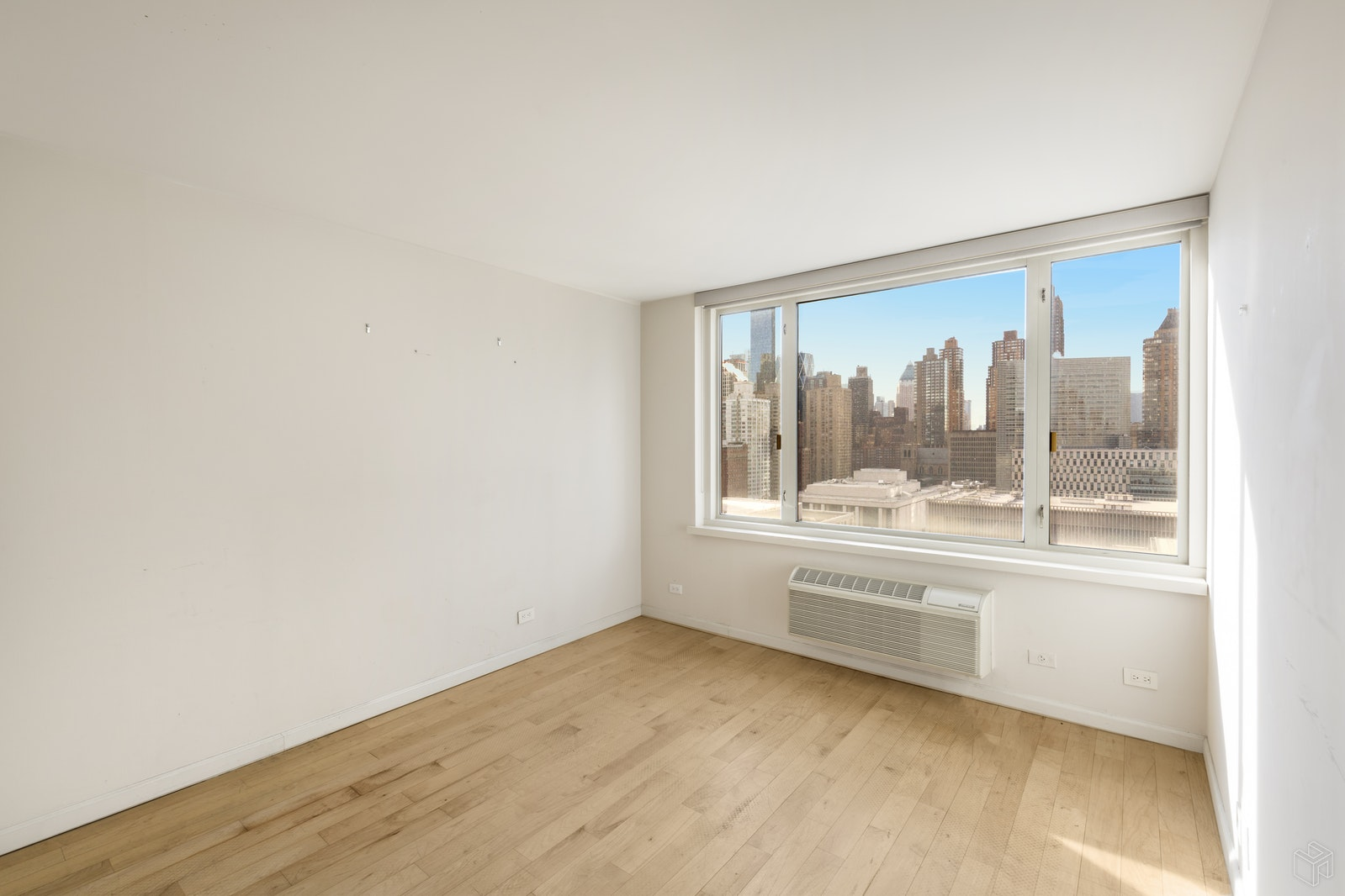 130 West 67th Street, Upper West Side, NYC, 10023, $800,000, Sold Property, Halstead Real Estate, Photo 2