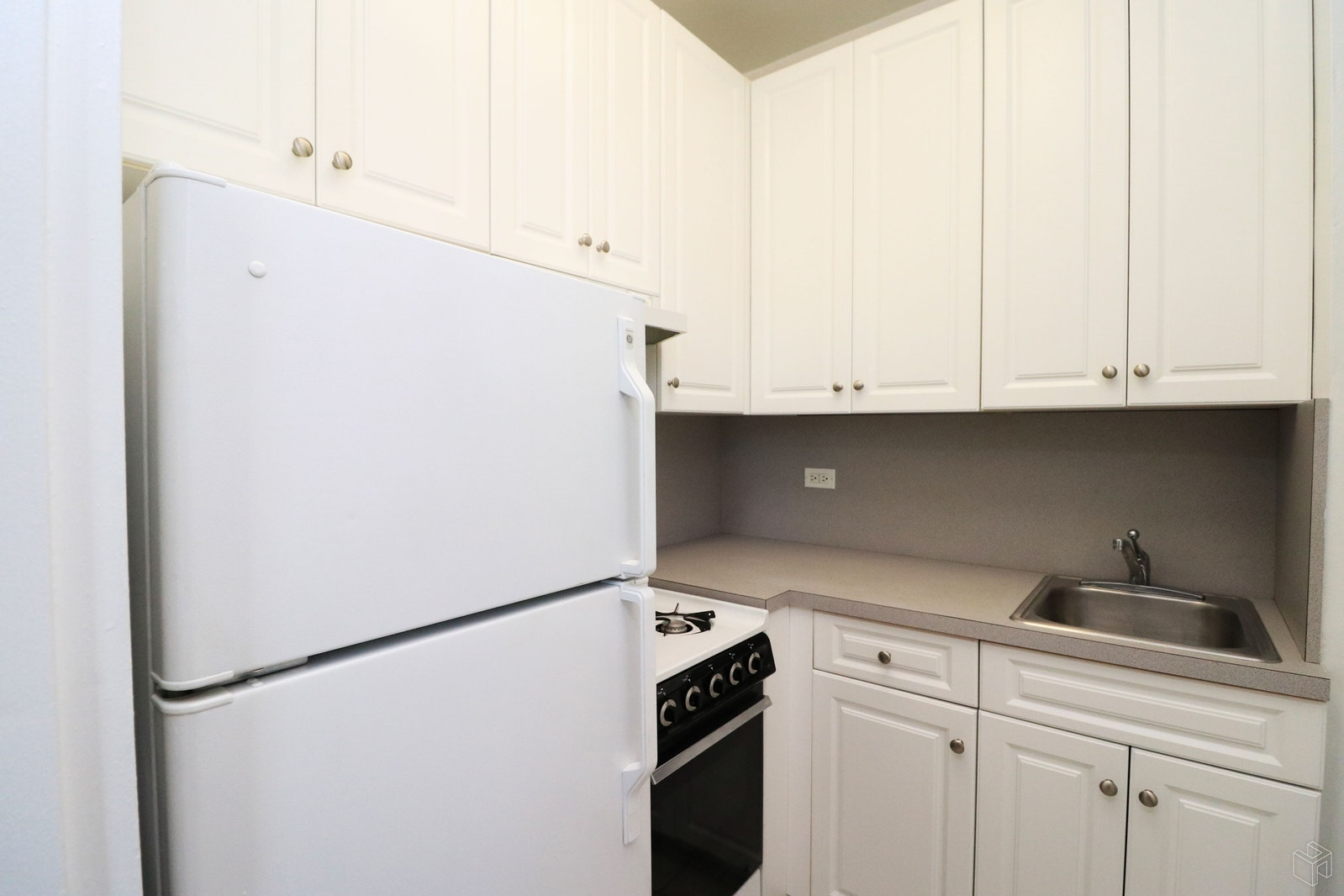 Park Avenue, Midtown East, NYC, 10016, $3,150, Rented Property, Halstead Real Estate, Photo 3