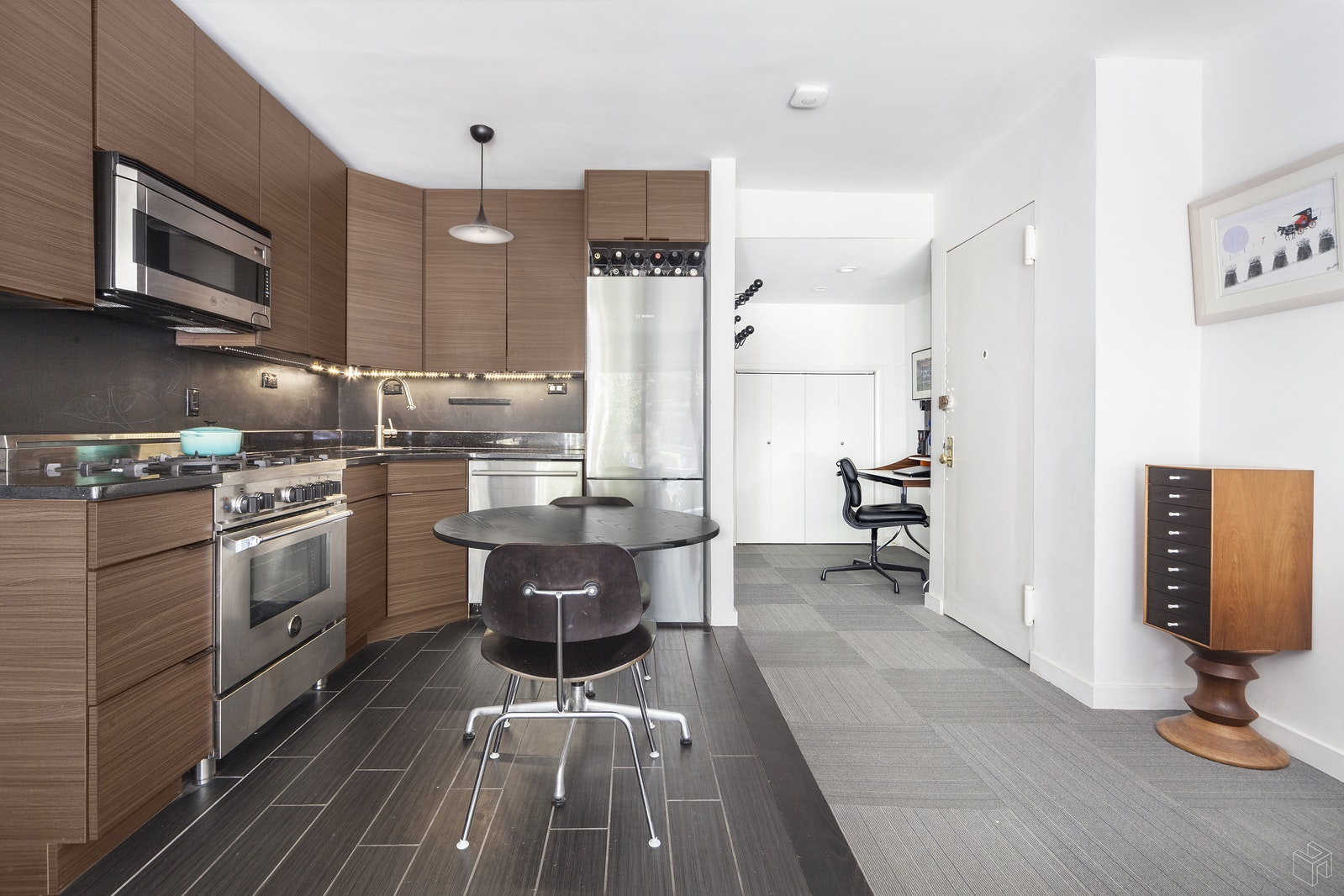 460 West 23rd Street Gb, Chelsea, NYC, 10011, $745,000, Sold Property, Halstead Real Estate, Photo 3