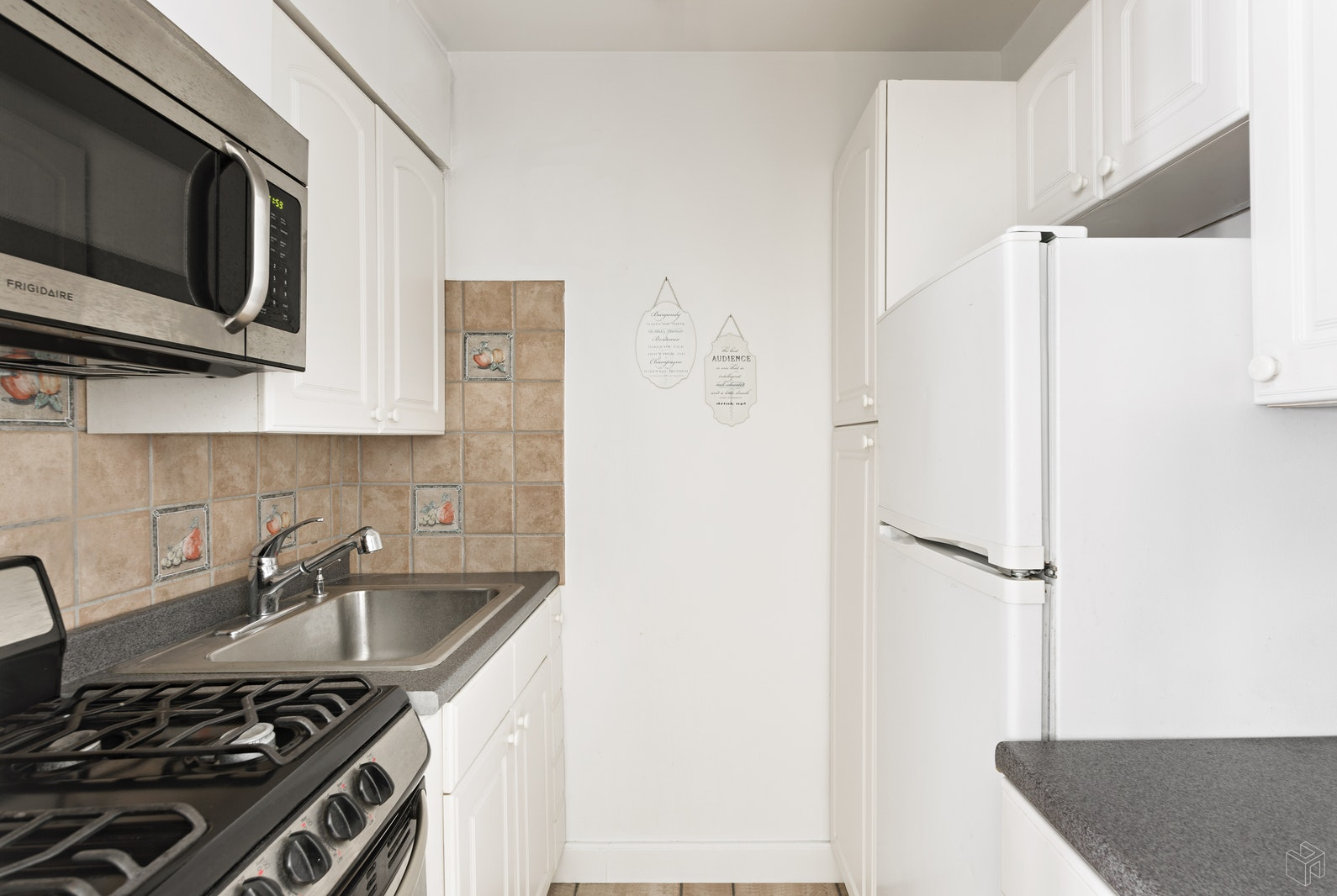 55 East 9th Street 9b, Greenwich Village, NYC, 10003, $585,000, Property For Sale, Halstead Real Estate, Photo 2