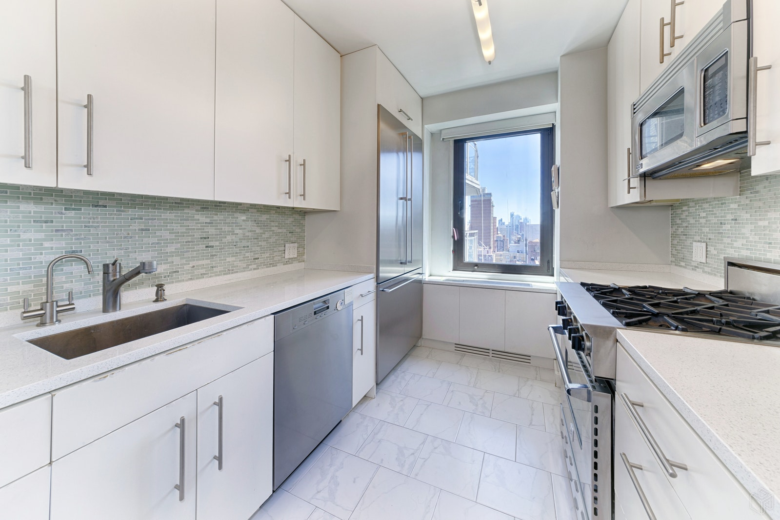 303 East 57th Street 23b, Midtown East, NYC, 10022, $725,000, Property For Sale, Halstead Real Estate, Photo 2