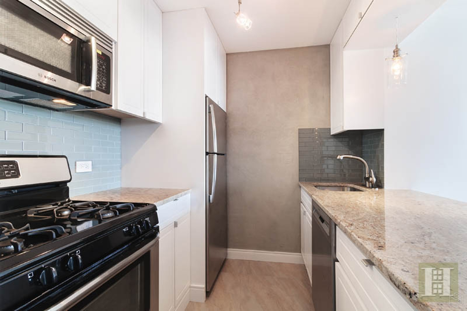 200 Rector Place 30D, Battery Park City, NYC, $3,800, Web #: 19531140