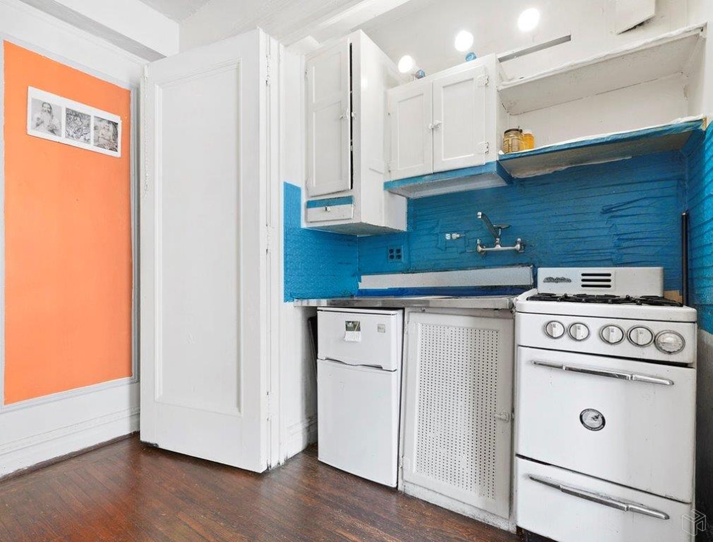 457 West 57th Street 1512, Midtown West, NYC, $250,000, Web #: 19557407