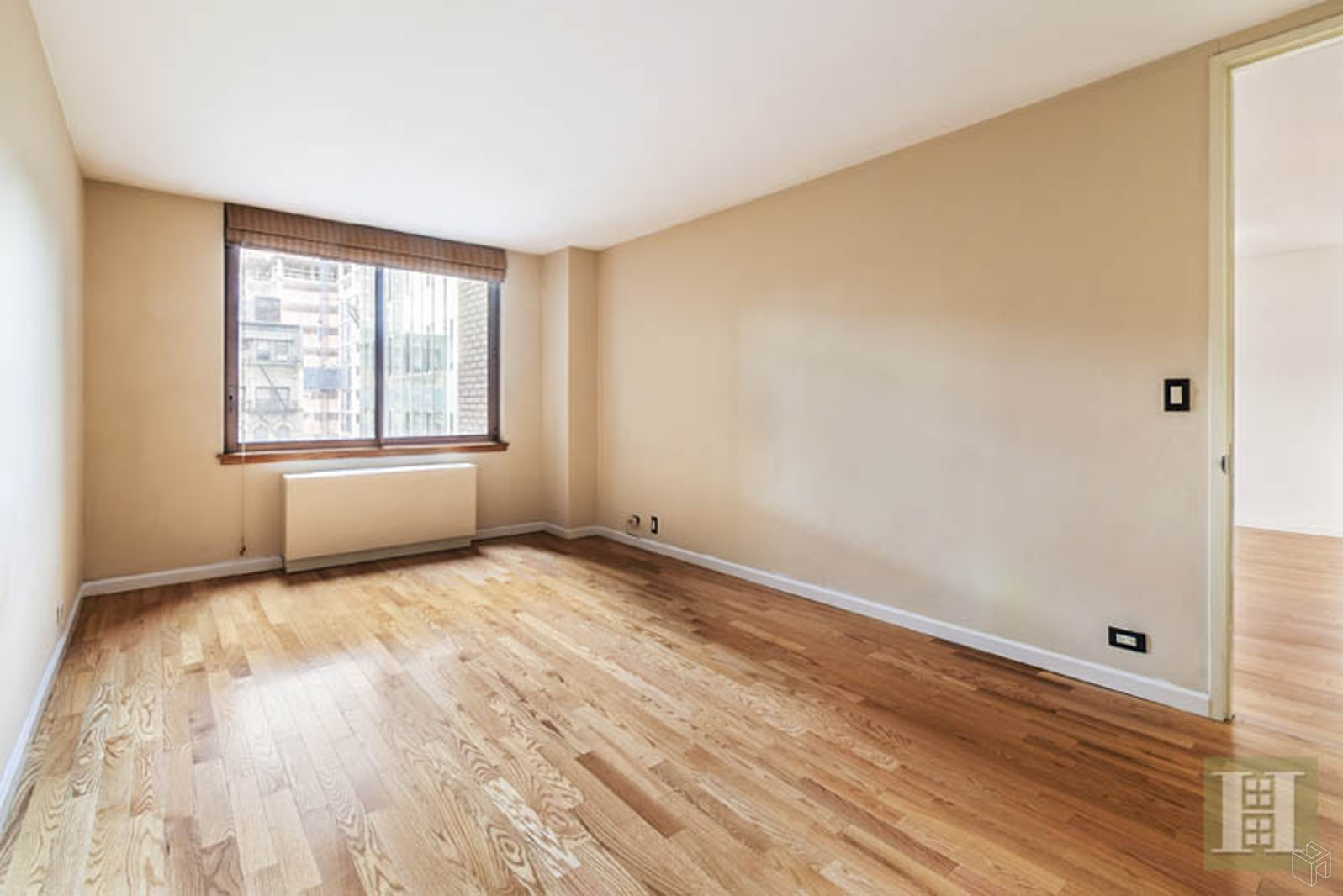 235 East 40th Street 4C, Murray Hill, Queens, NY, $3,500, Web #: 19571145