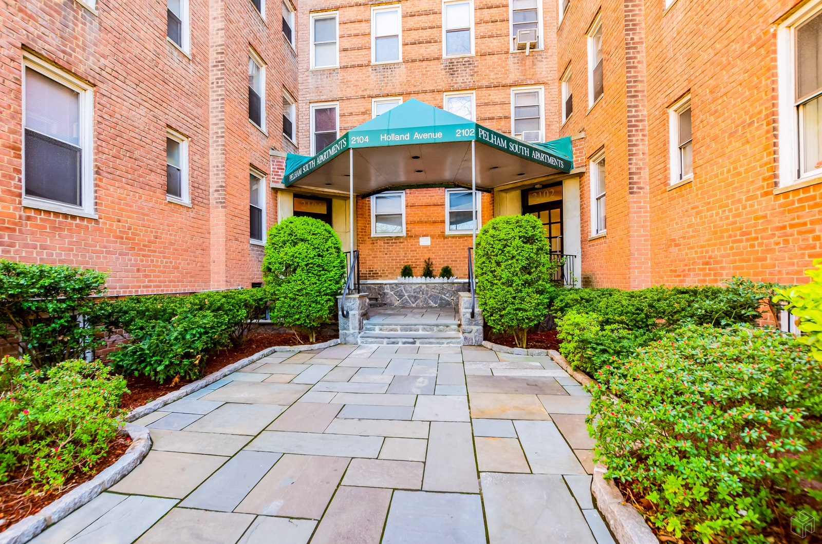 2102 Holland Ave 3a, Pelham Parkway, New York, 10462, $135,000, Sold Property, Halstead Real Estate, Photo 1
