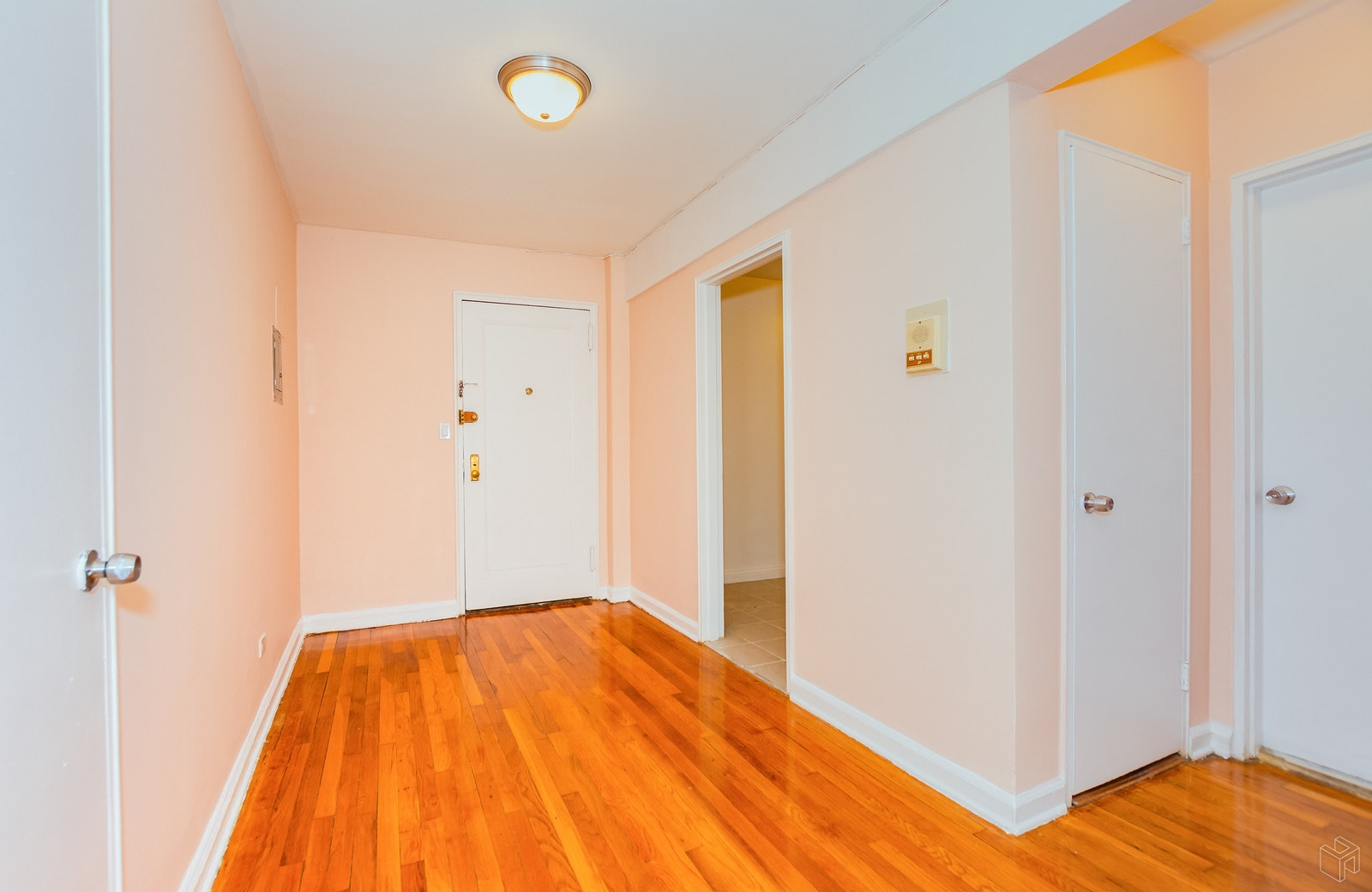 2102 Holland Ave 3a, Pelham Parkway, New York, 10462, $135,000, Sold Property, Halstead Real Estate, Photo 3