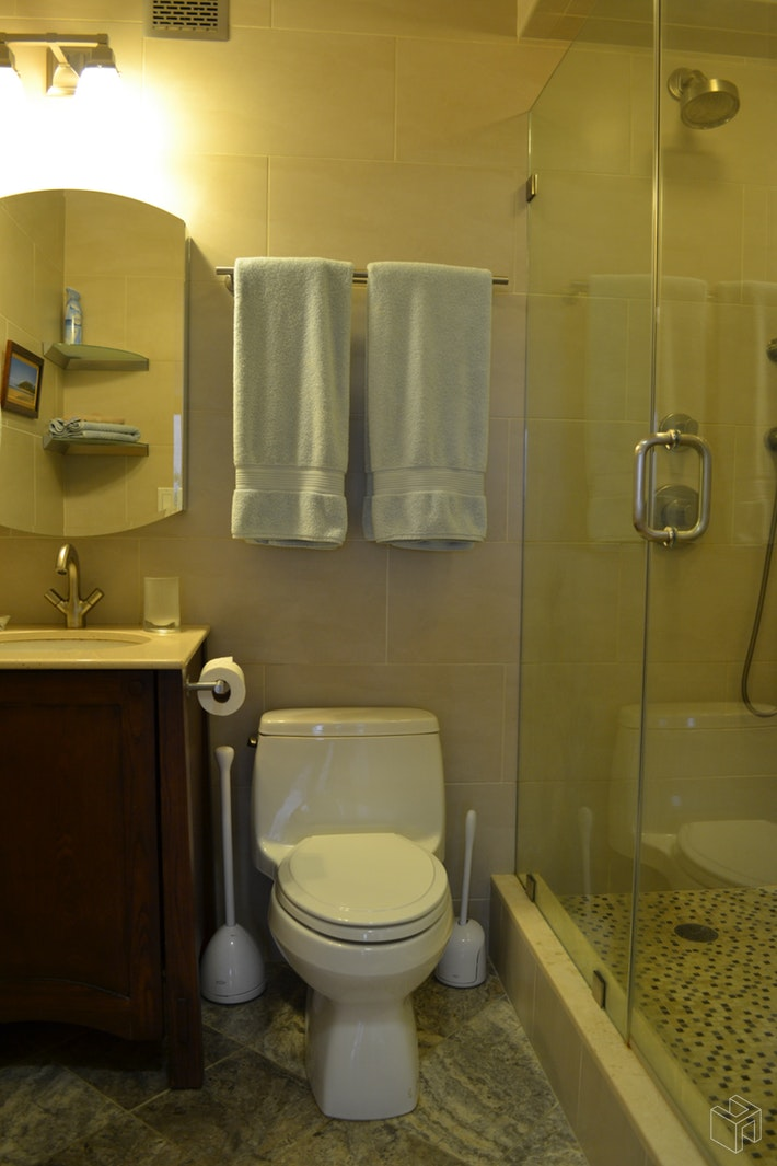 No Fee - Renovated With Terrace, Midtown West, NYC, 10019, $2,600, Rented Property, Halstead Real Estate, Photo 5