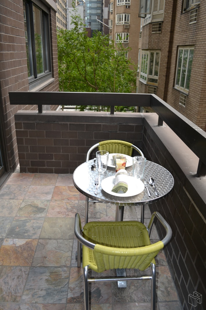 No Fee - Renovated With Terrace, Midtown West, NYC, 10019, $2,600, Rented Property, Halstead Real Estate, Photo 6