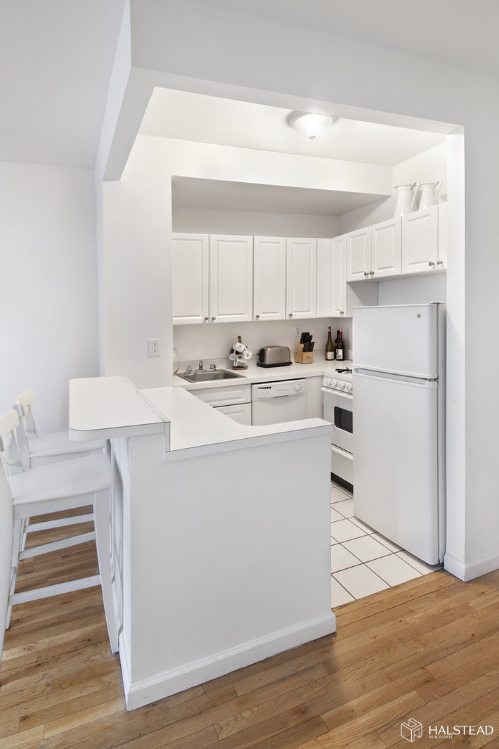 720 Greenwich Street 5r, West Village, NYC, 10014, Price Not Disclosed, Rented Property, Halstead Real Estate, Photo 2