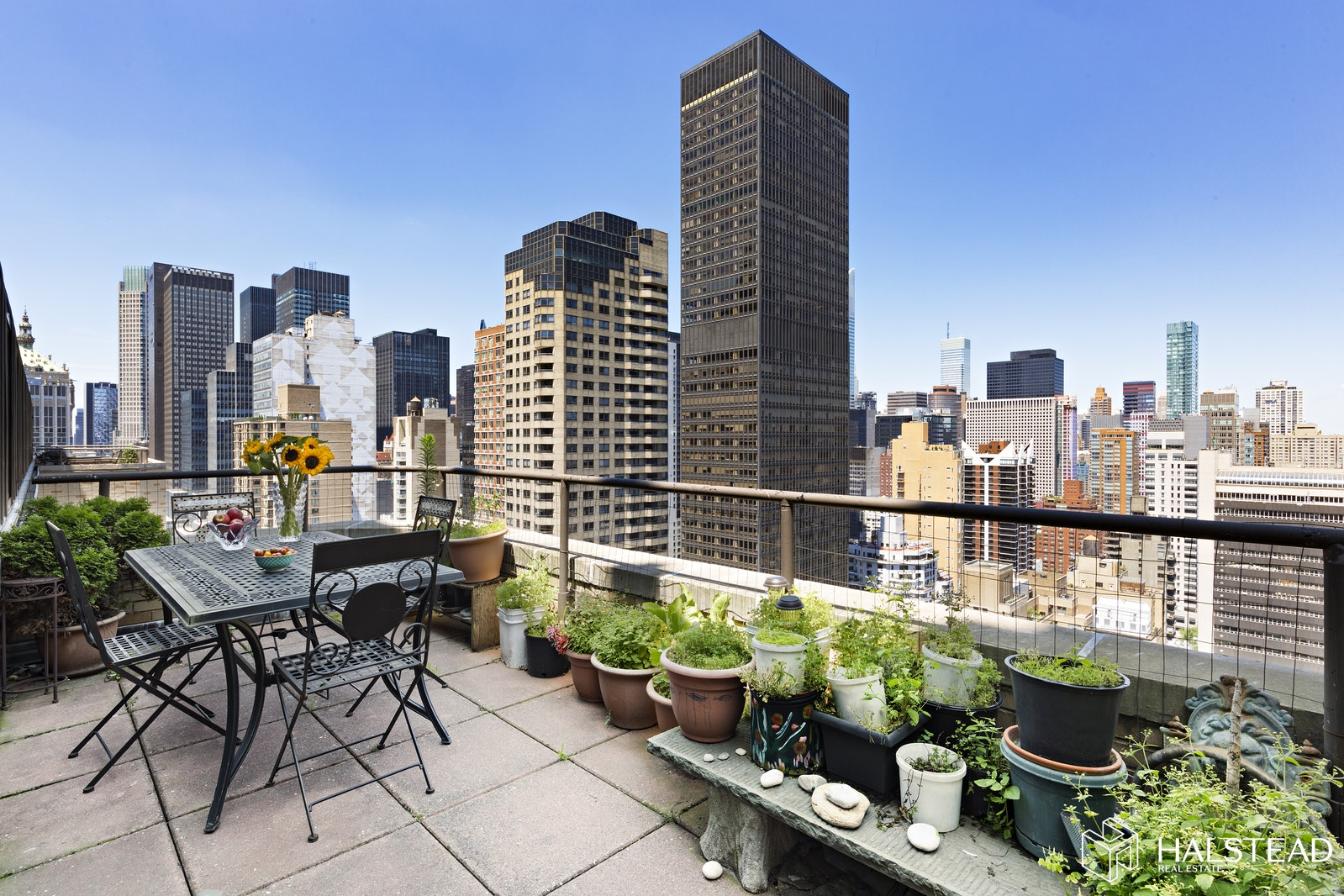 310 East 46th Street 25H, Midtown East, NYC, $5,400, Web #: 19714264