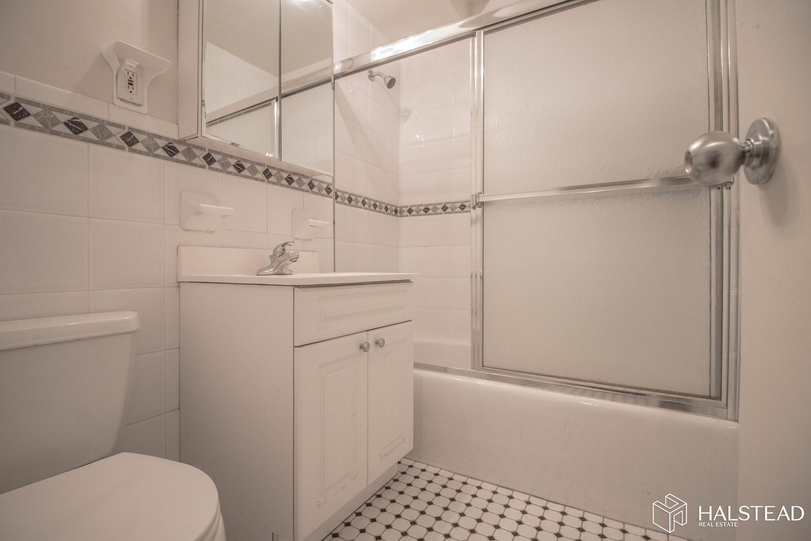 East 84th Street, Upper East Side, NYC, $2,700, Web #: 19729431
