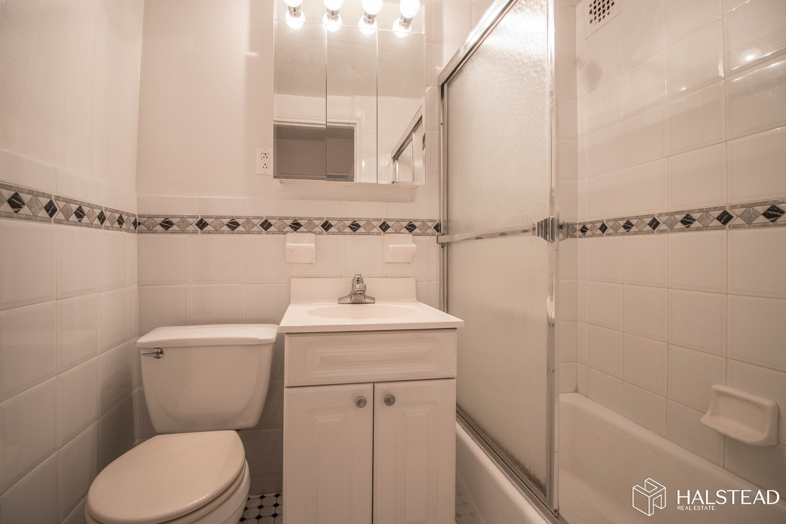 York Avenue, Upper East Side, NYC, $2,500, Web #: 19729436