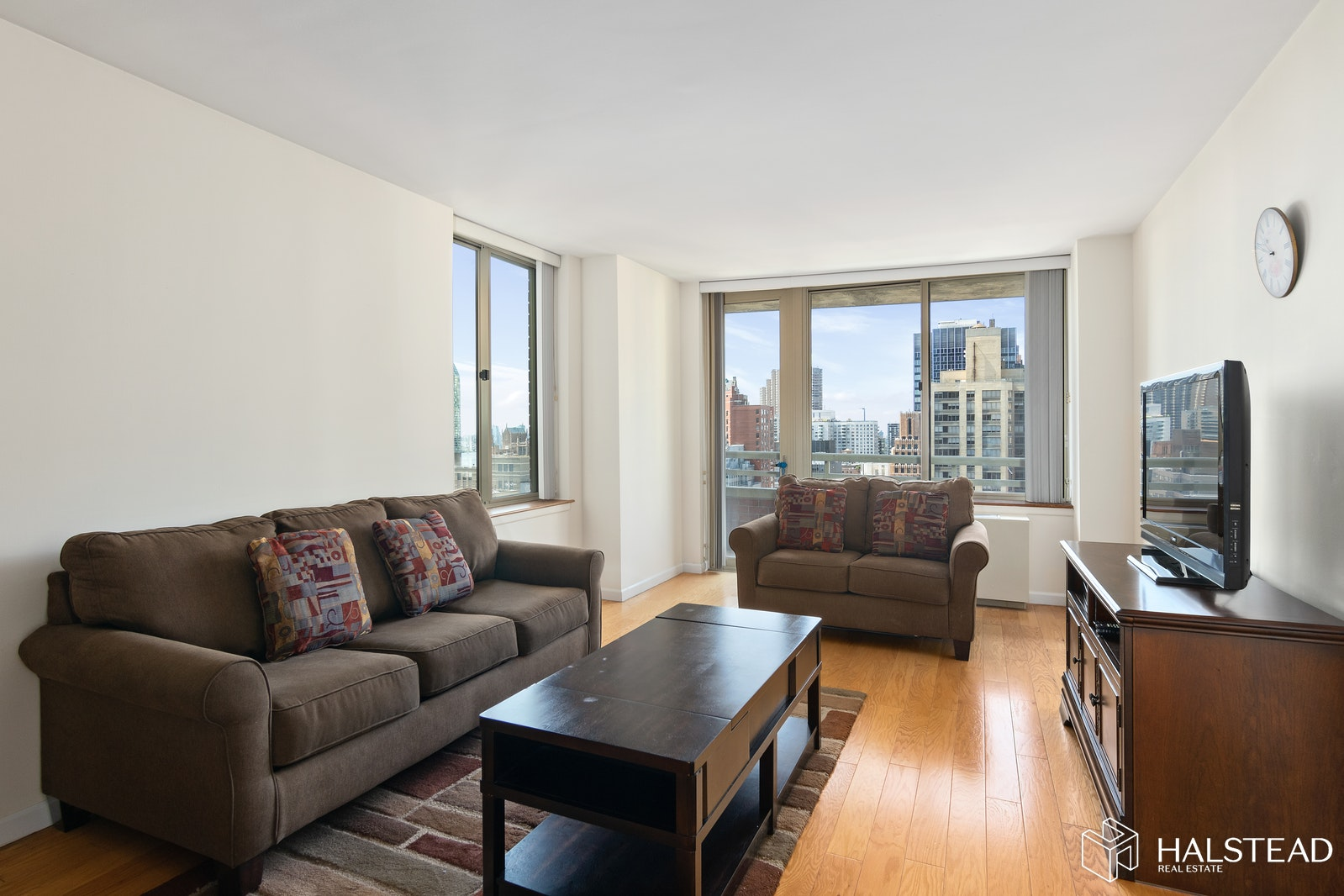 236 East 47th Street 30B, Midtown East, NYC, $3,800, Web #: 19752155