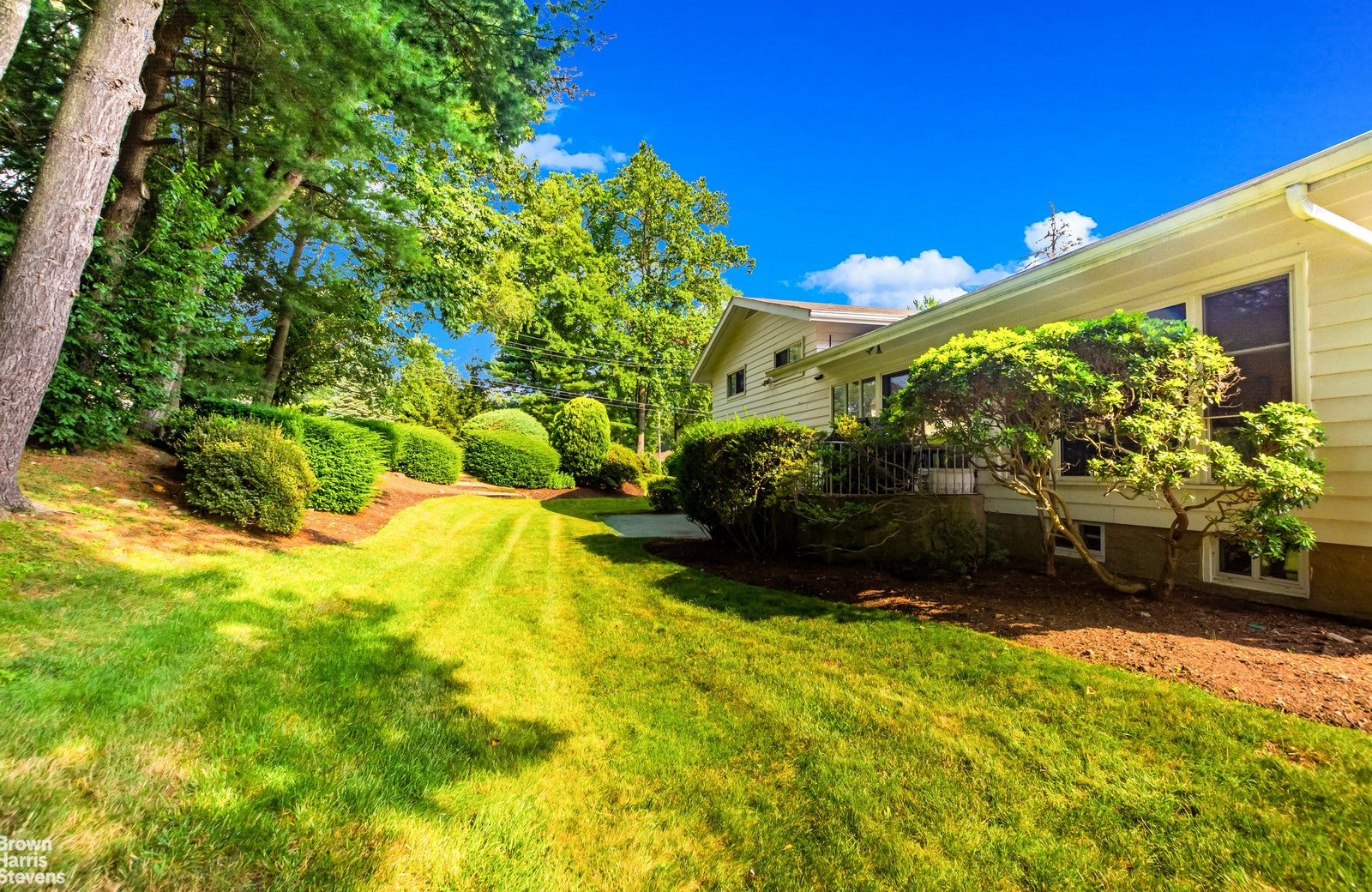 31 Lakeshore Drive, Eastchester, New York, 10709, $1,088,000, Property For Sale, Halstead Real Estate, Photo 10