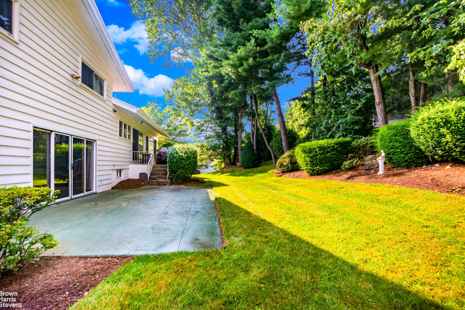 31 Lakeshore Drive, Eastchester, New York, 10709, $1,088,000, Property For Sale, Halstead Real Estate, Photo 7