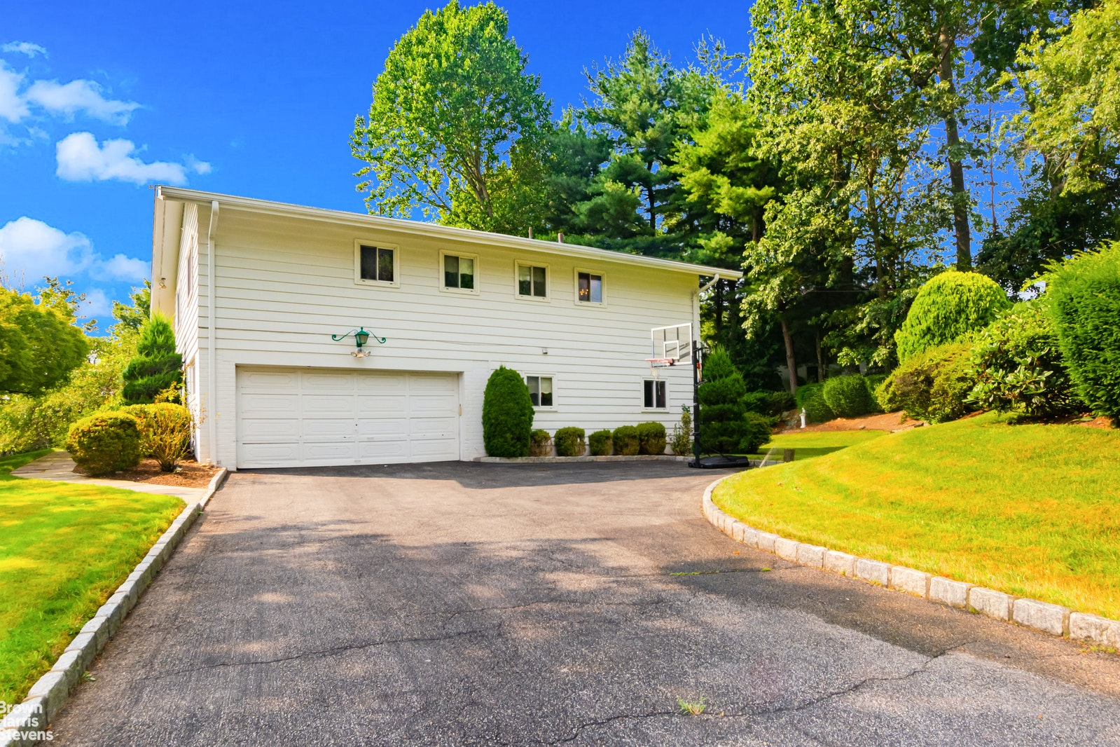 31 Lakeshore Drive, Eastchester, New York, 10709, $1,088,000, Property For Sale, Halstead Real Estate, Photo 8