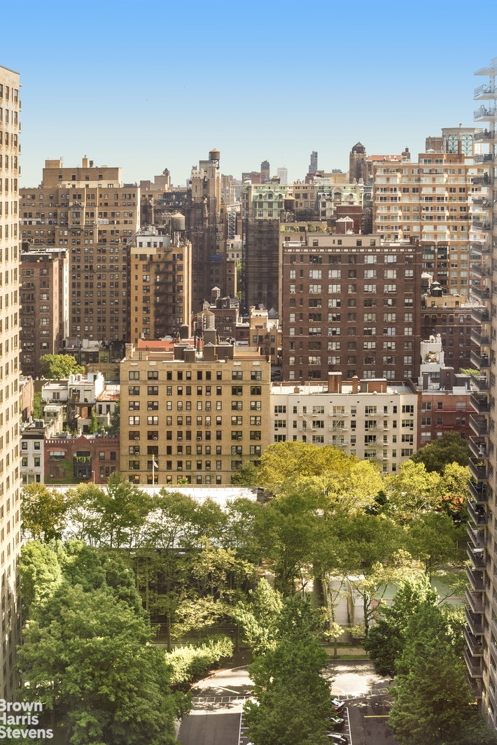 142 West End Avenue 27M, Upper West Side, NYC, $859,000, Web #: 19785664