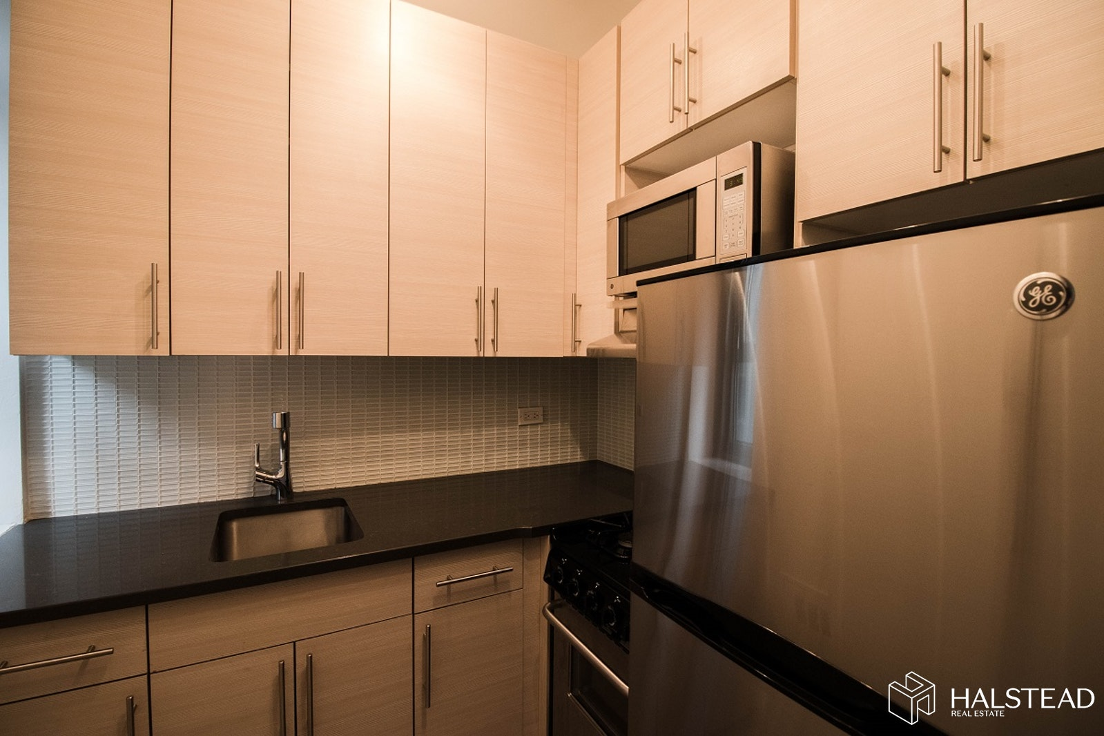 Park Avenue, Midtown East, NYC, 10016, $2,725, Rented Property, Halstead Real Estate, Photo 2