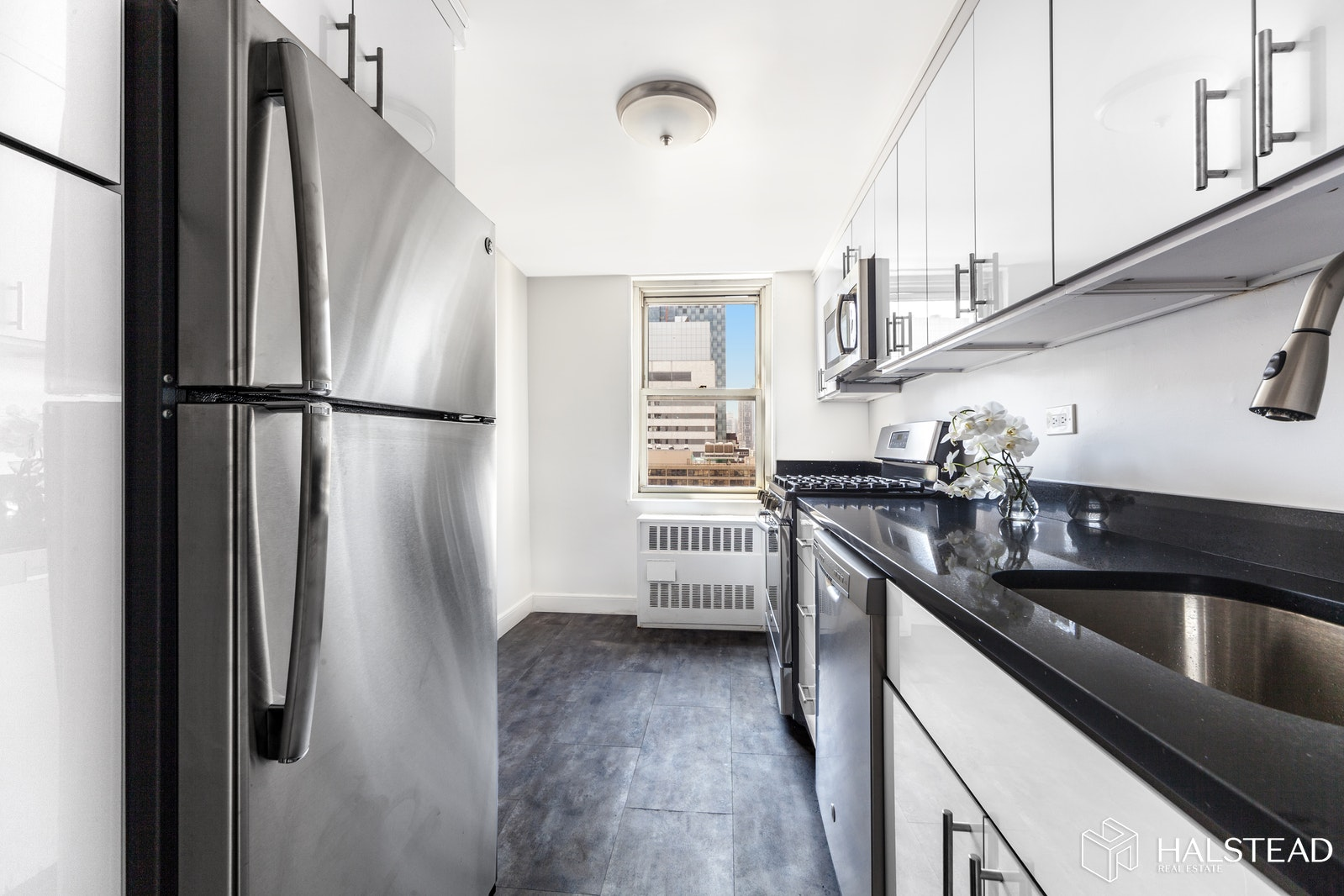 420 East 72nd Street, Upper East Side, NYC, 10021, $599,000, Property For Sale, Halstead Real Estate, Photo 2