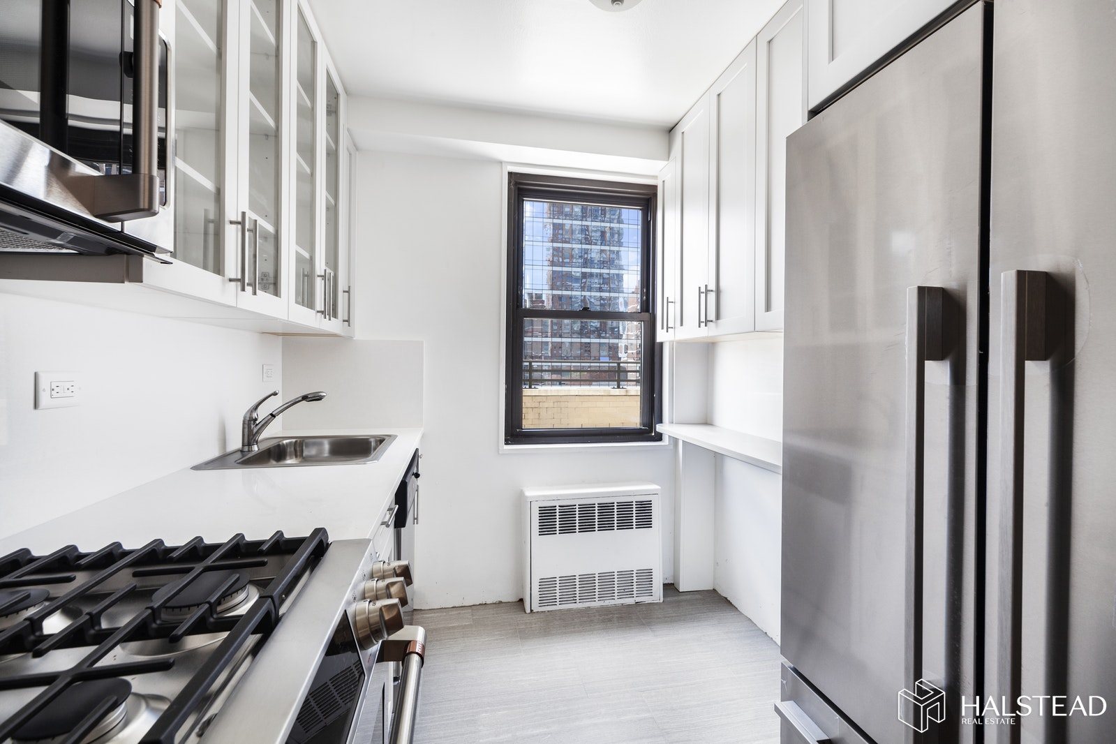 165 West 66th Street 20c, Upper West Side, NYC, 10023, $1,125,000, Sold Property, Halstead Real Estate, Photo 3