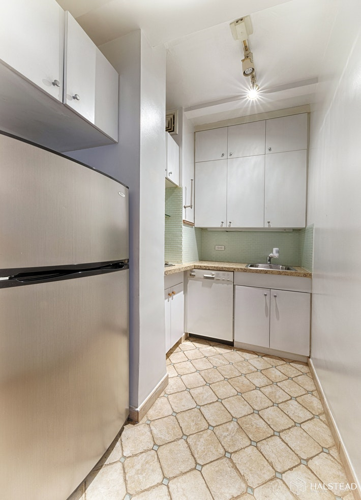 127 West 79th Street 8j, Upper West Side, NYC, 10024, $600,000, Sold Property, Halstead Real Estate, Photo 5