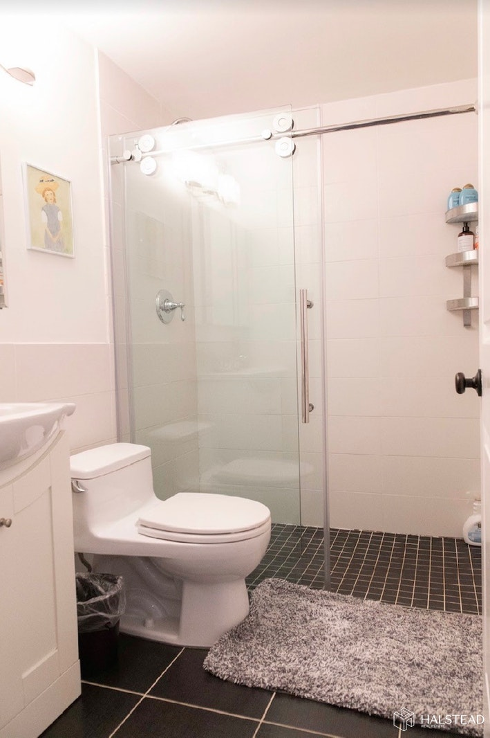 445 West 54th Street, Midtown West, NYC, $4,650, Web #: 19866928