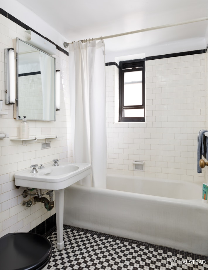 405 West 23rd Street, Chelsea, NYC, 10011, $570,000, Sold Property, Halstead Real Estate, Photo 5