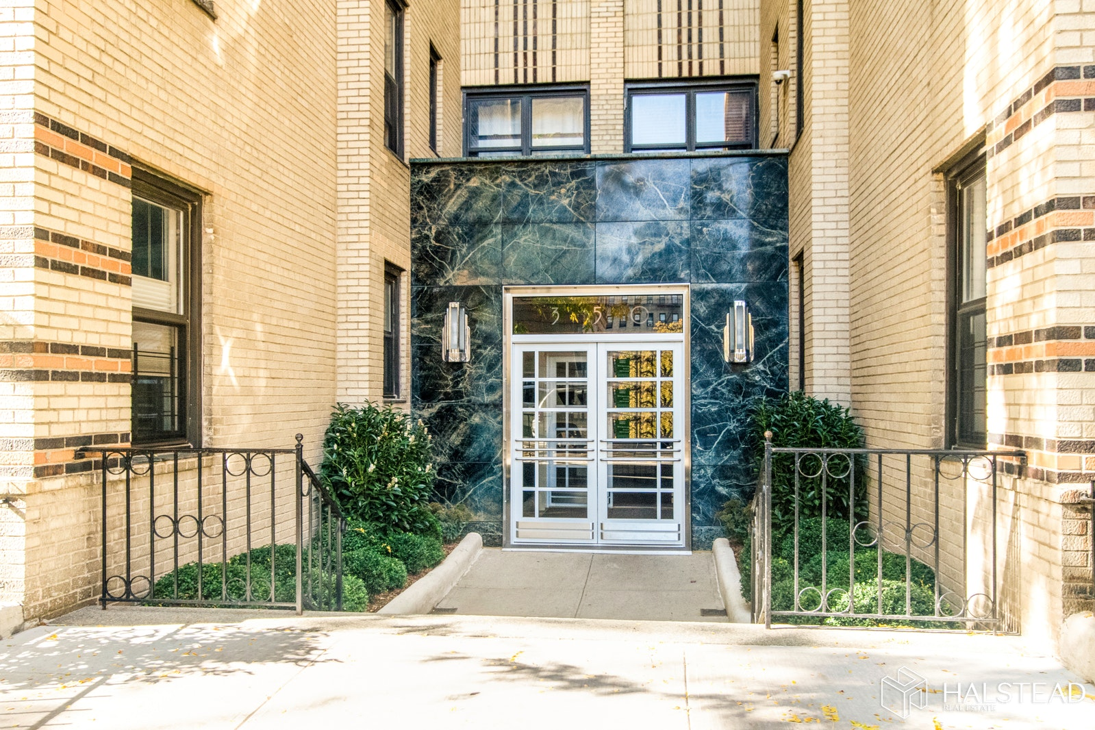 350 Cabrini Boulevard 2K, Upper Manhattan, NYC, $625,000, Web #: 19925520