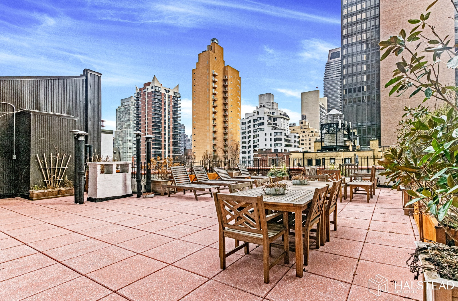 212 East 48th Street 5D, Midtown East, NYC, $630,000, Web #: 20021672