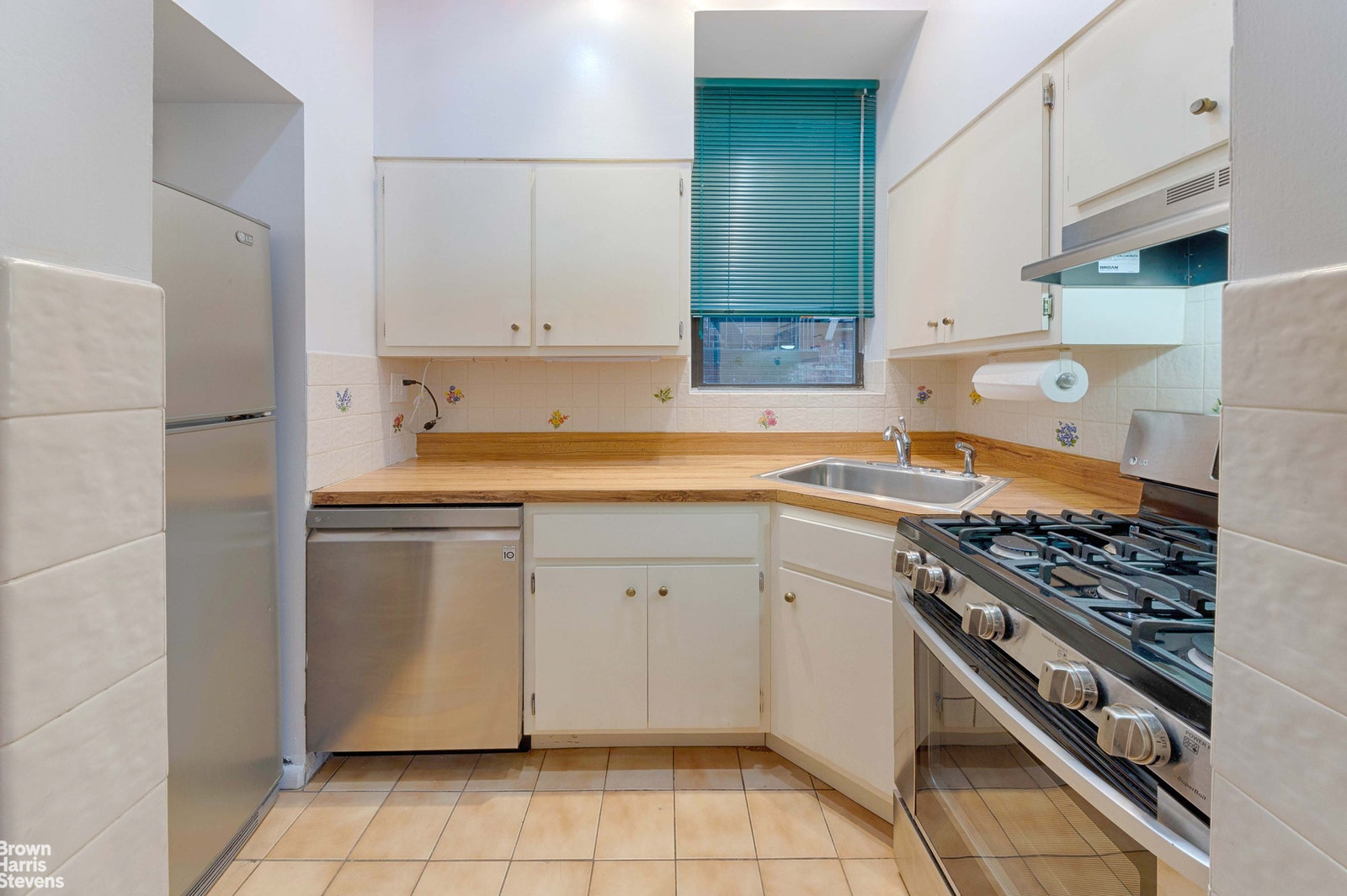 340 West 55th Street 3e, Midtown West, NYC, 10019, $749,000, Property For Sale, Halstead Real Estate, Photo 2