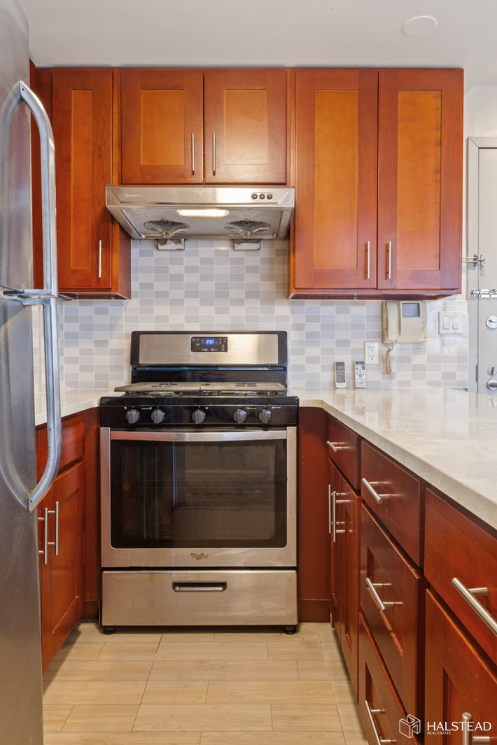 132 -03 Sanford Avenue, Flushing, Queens, NY, $2,575, Web #: 20064031