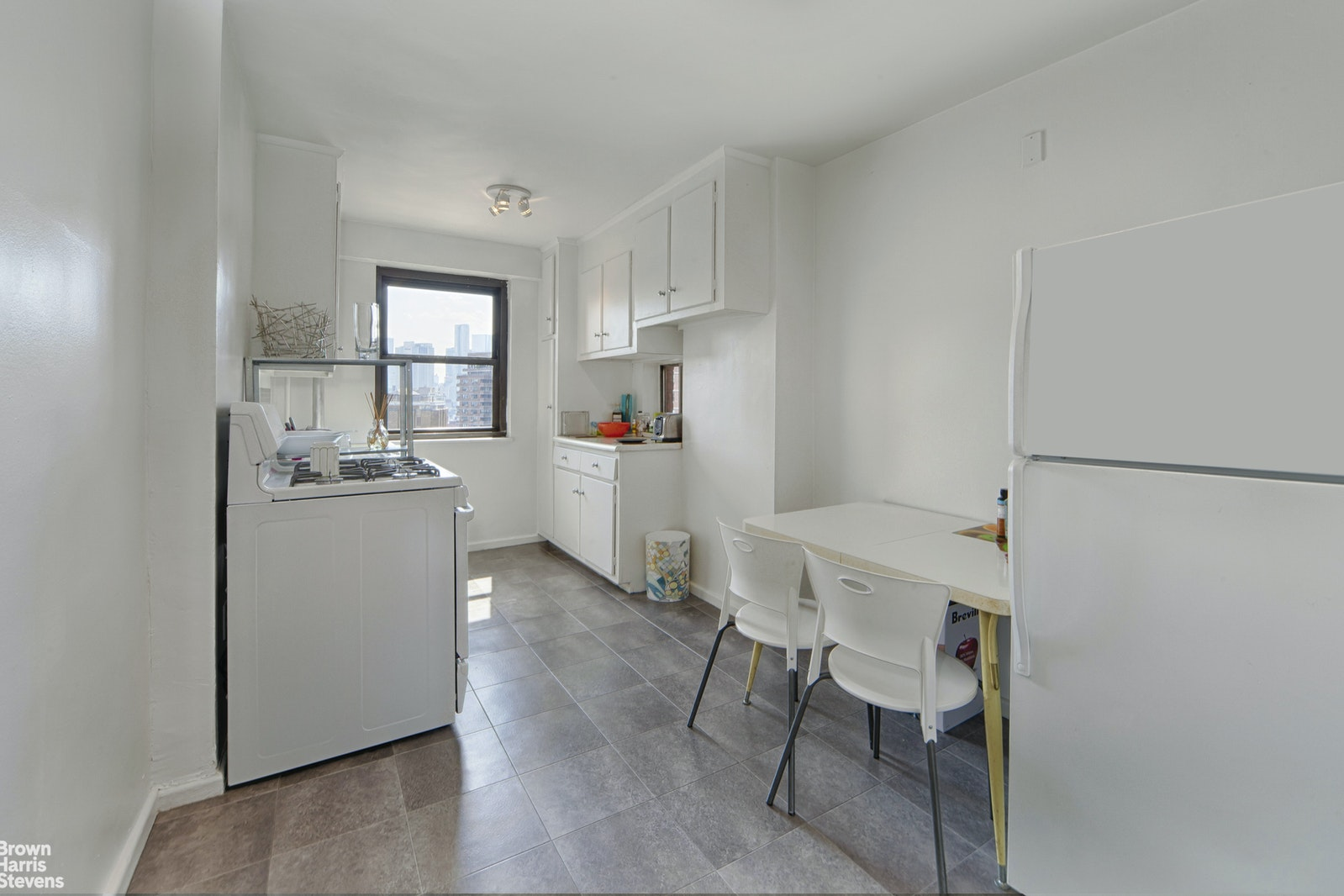 264 East Broadway, Lower East Side, NYC, $775,000, Web #: 20075135