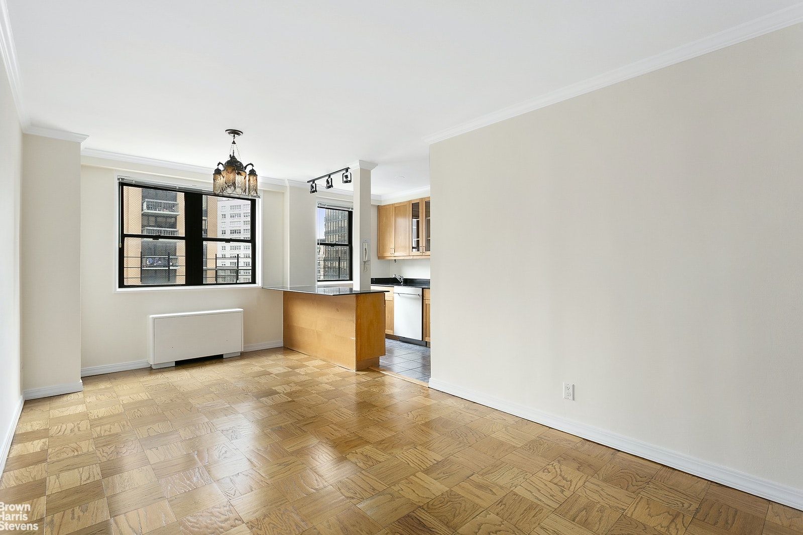 165 West 66th Street 15H, Upper West Side, NYC, $999,000, Web #: 20092015