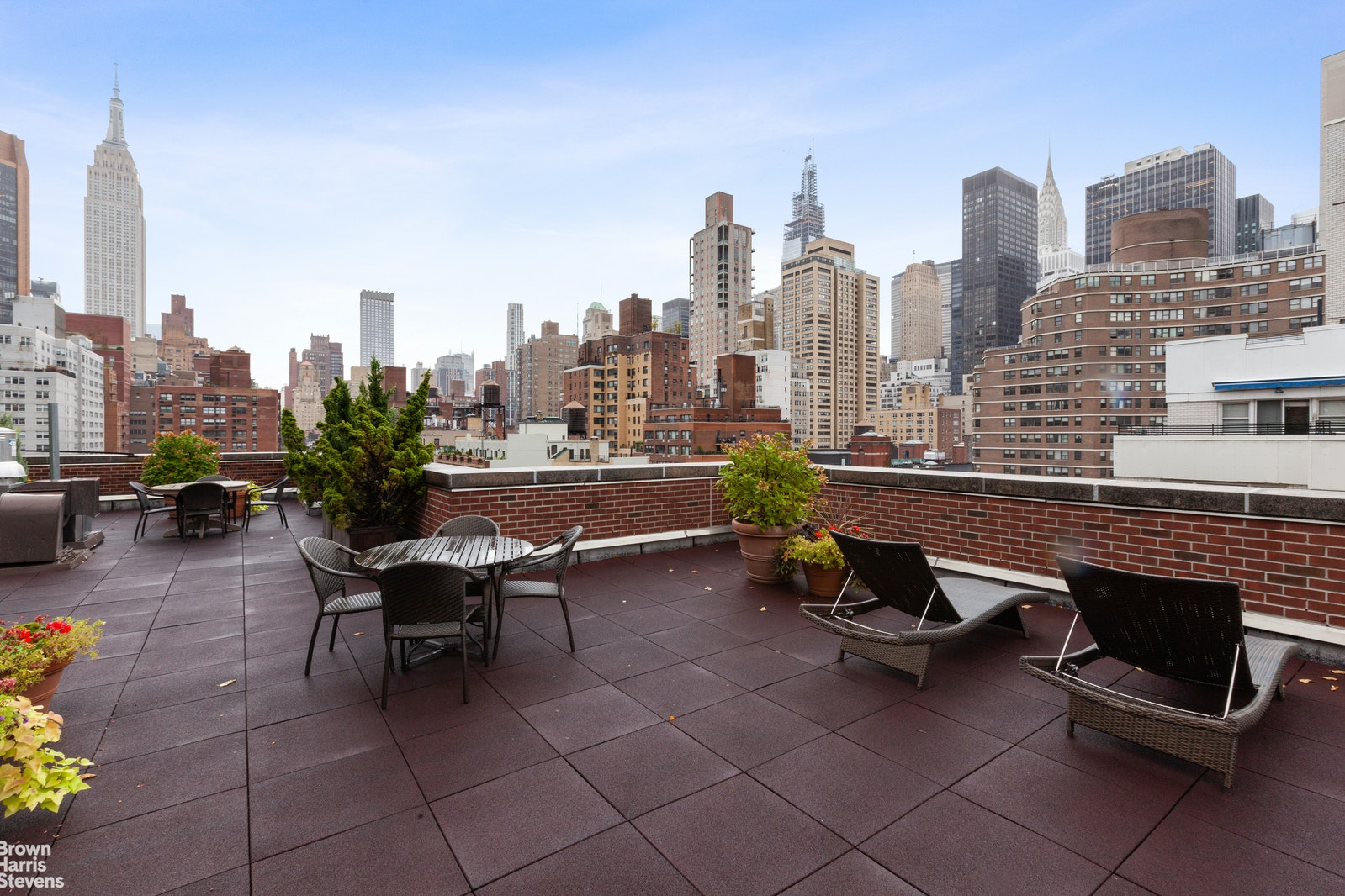 240 East 35th Street 12F, Midtown East, NYC, $370,000, Web #: 20095618