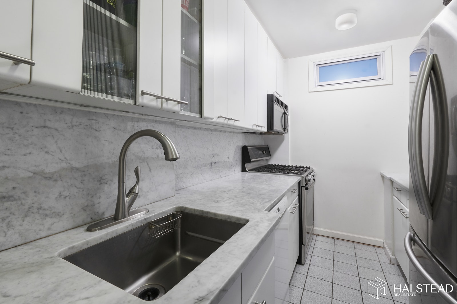 392 Central Park West, Upper West Side, NYC, $999,000, Web #: 20151436