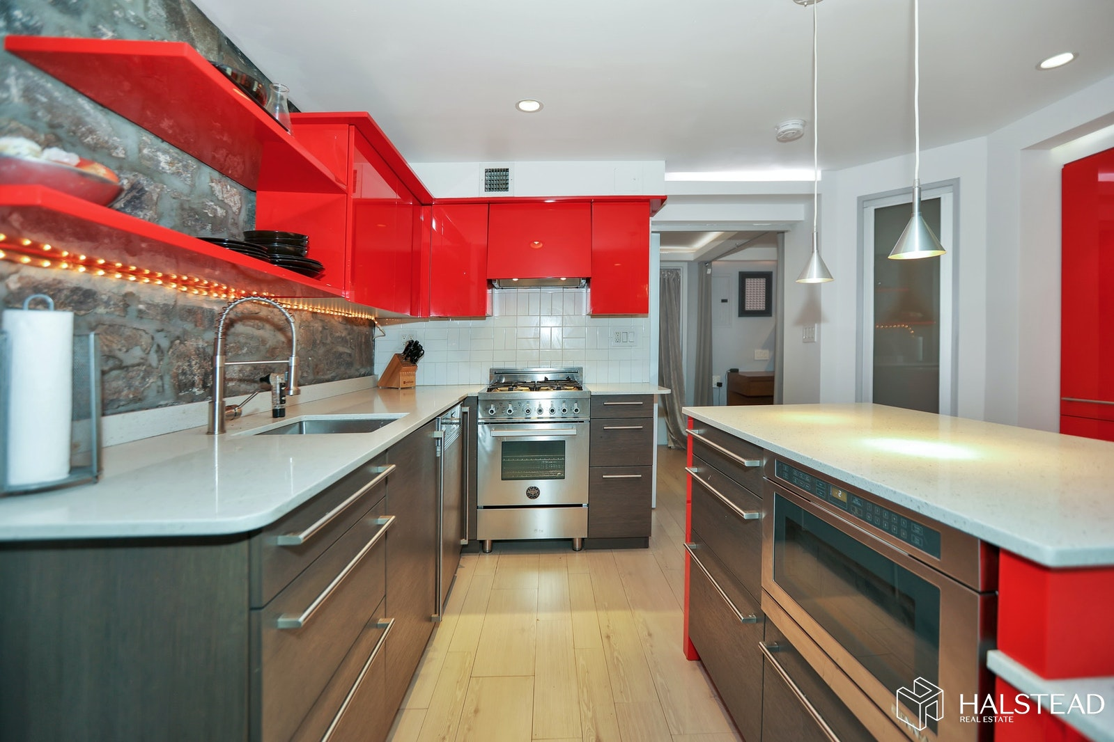 463 West 21st Street, Chelsea, NYC, $695,000, Web #: 20172339