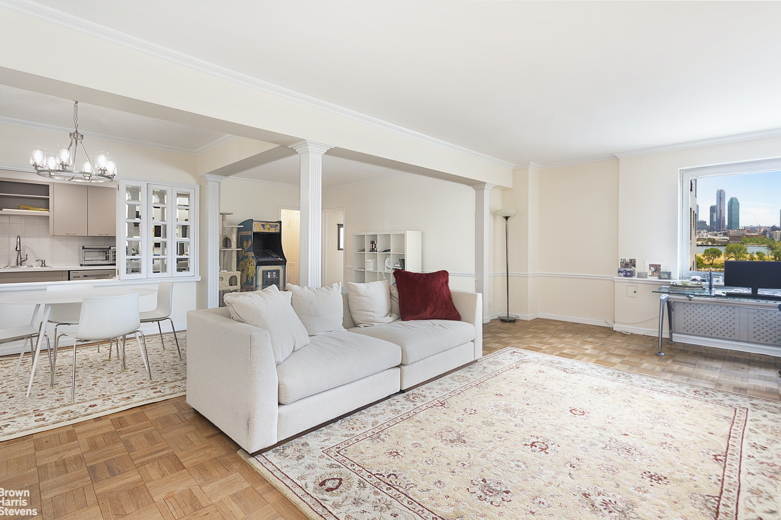 45 Sutton Place South, Midtown East, NYC, $899,000, Web #: 20180504