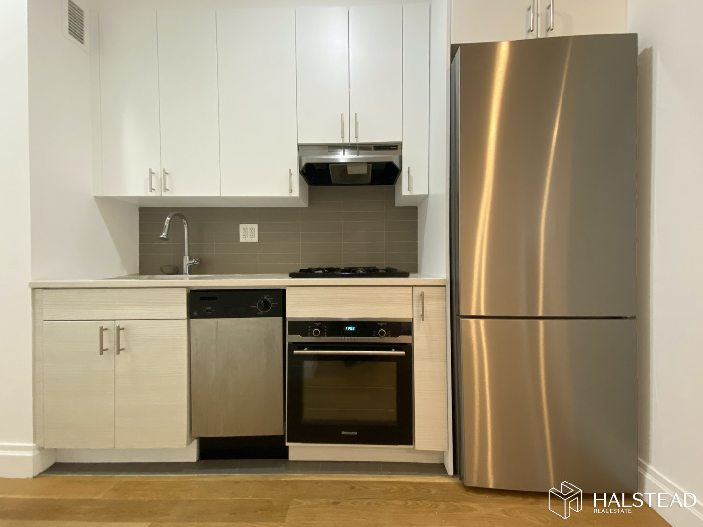 351 East 58th Street 3R, Midtown East, NYC, $2,769, Web #: 20234471