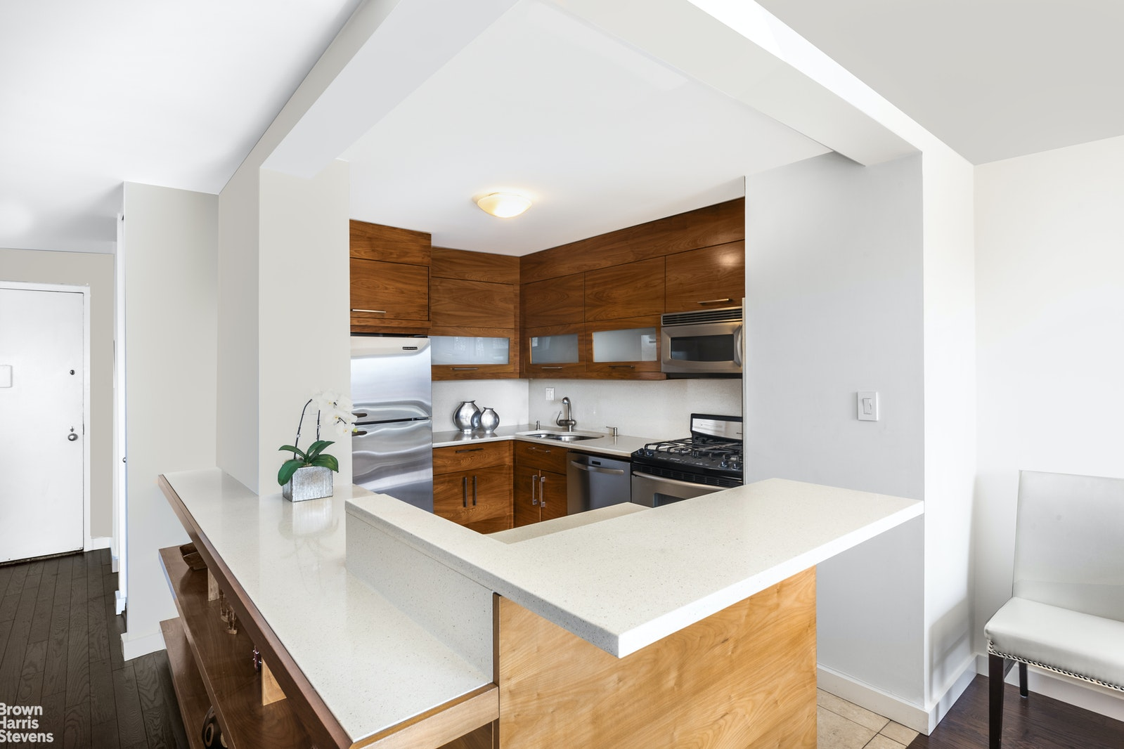 201 West 70th Street 19h, Upper West Side, NYC, 10023, $2,075,000, Property For Sale, Halstead Real Estate, Photo 4