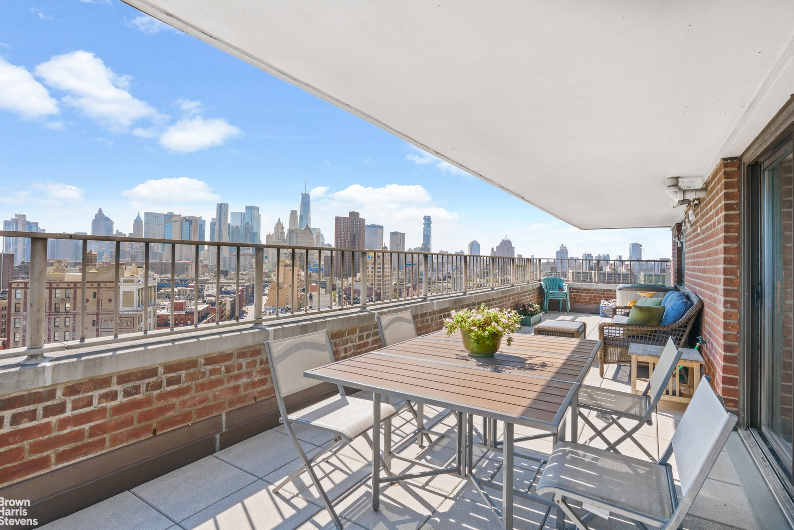 208 East Broadway, Lower East Side, NYC, $1,595,000, Web #: 20273250