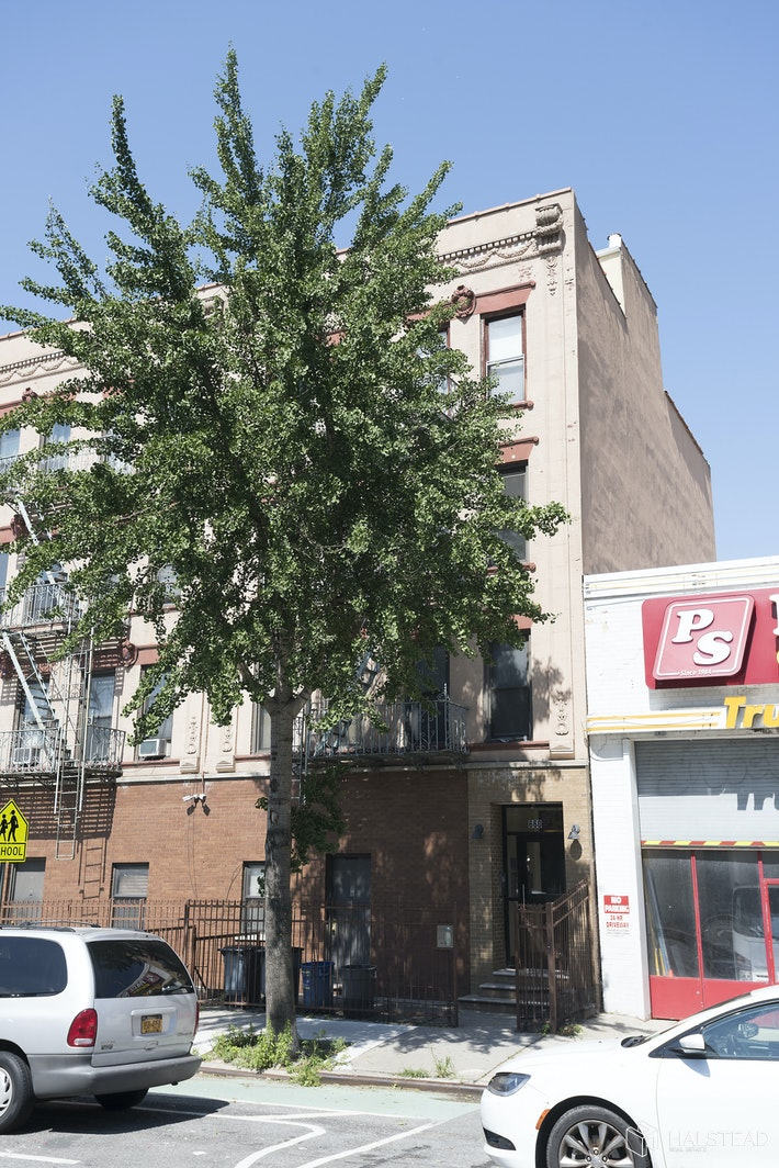 660 Fourth Avenue, Sunset Park, Brooklyn, NY, $375,000, Web #: 20293588