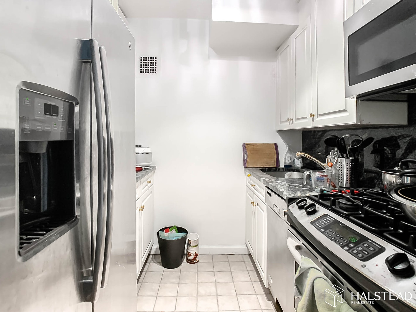 200 East 58th Street, Midtown East, NYC, $2,500, Web #: 20295306