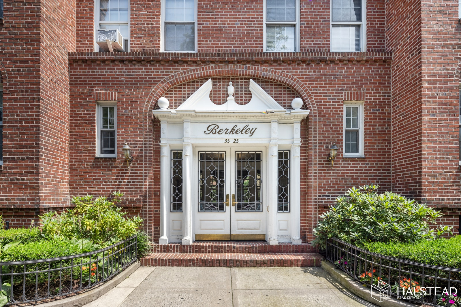 35 -25 77th Street B42, Jackson Heights, Queens, NY, $400,000, Web #: 20298479
