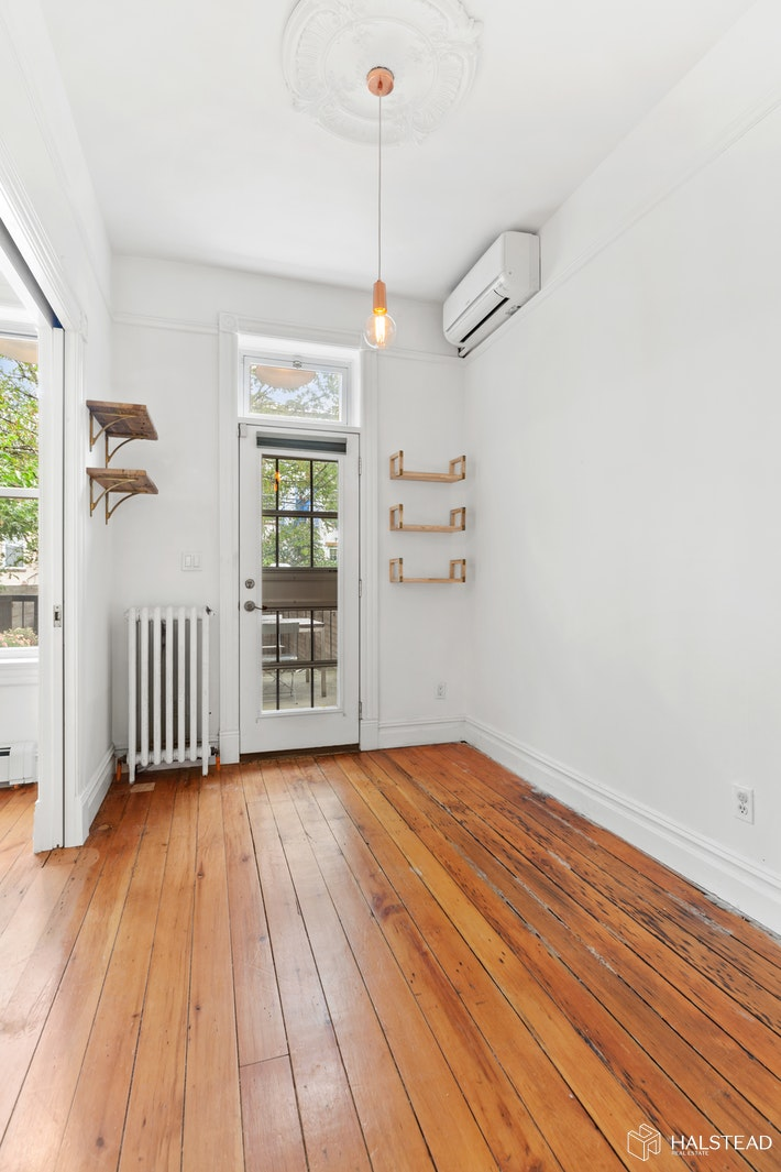 143 16th Street 1, Park Slope, Brooklyn, NY, $5,200, Web #: 20351022