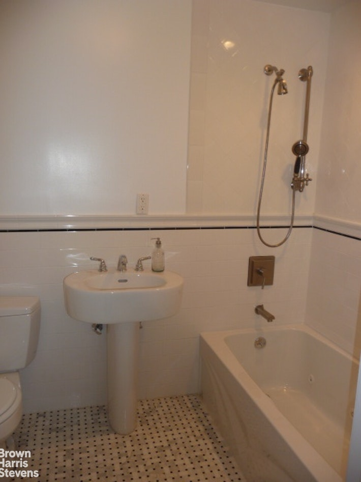126 First Place, Carroll Gardens, Brooklyn, NY, $4,500, Web #: 20353027