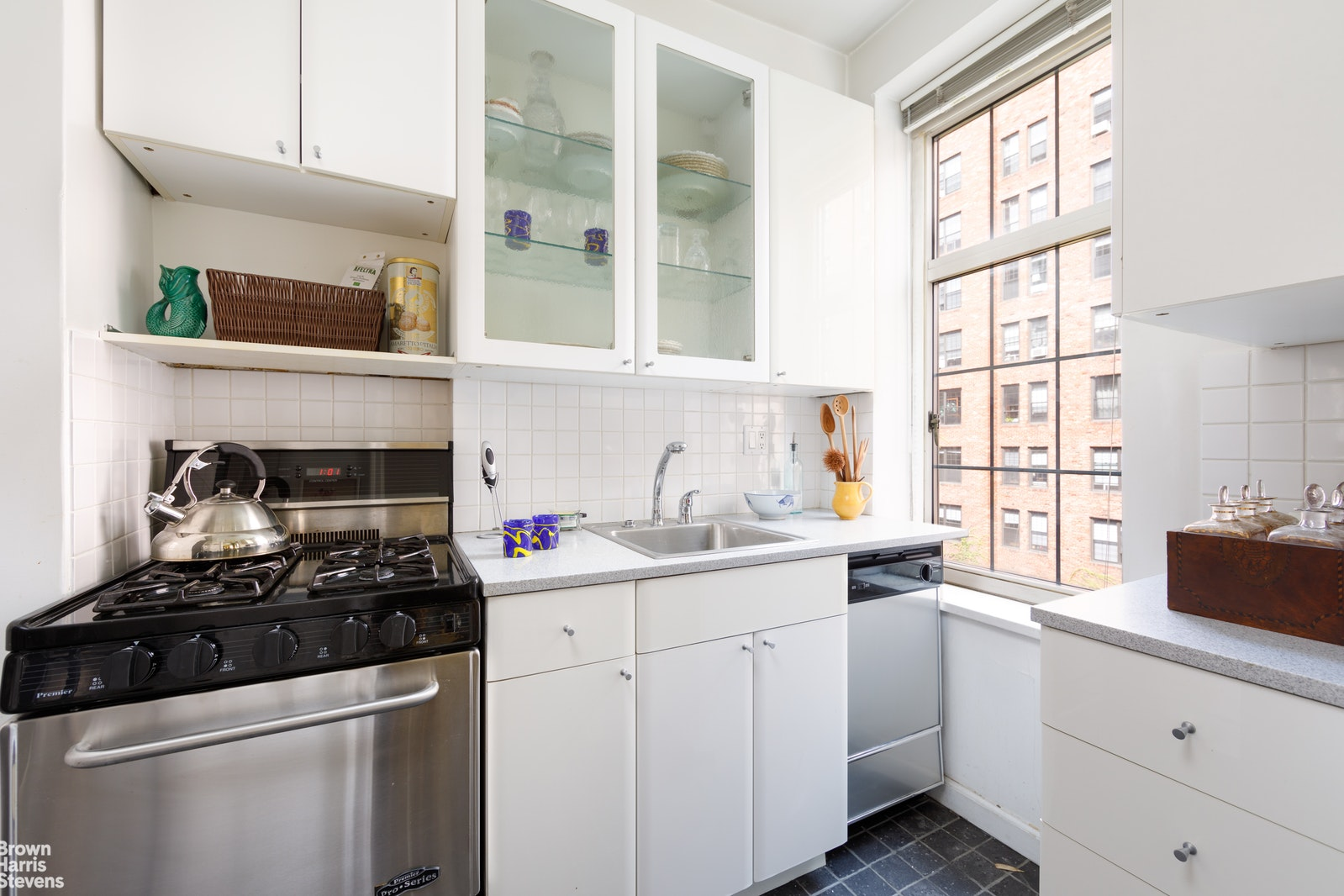 London Terrace, Chelsea, NYC, 10011, $530,000, Property For Sale, Halstead Real Estate, Photo 10