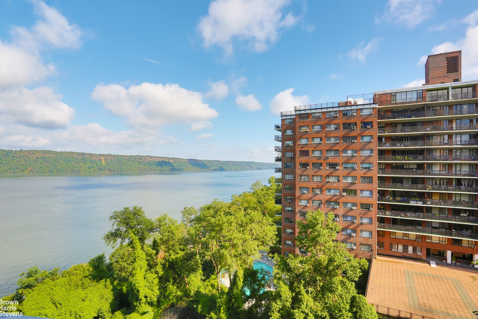 2621 Palisade Avenue 7f, Spuyten Duyvil, New York, 10463, $375,000, Property For Sale, Halstead Real Estate, Photo 1