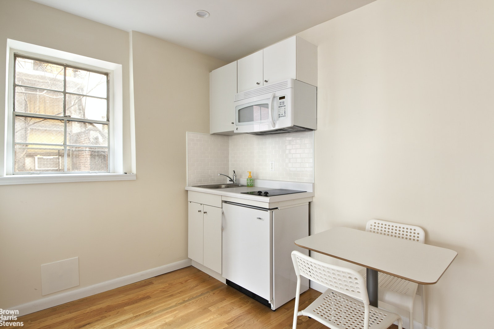 275 West 73rd Street 2A, Upper West Side, NYC, $2,000, Web #: 20370664