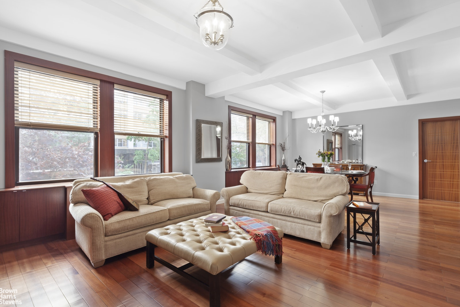 20 West 72nd Street, Upper West Side, NYC, $2,350,000, Web #: 20372831